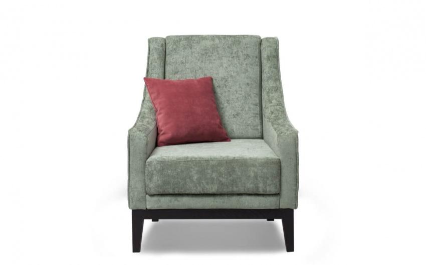 Картинка светлое кресло в стиле кантри